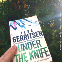 Under the Knife by Tess Gerritsen {Book Review}